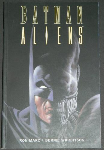 Batman AliensUK Titan Press softcover